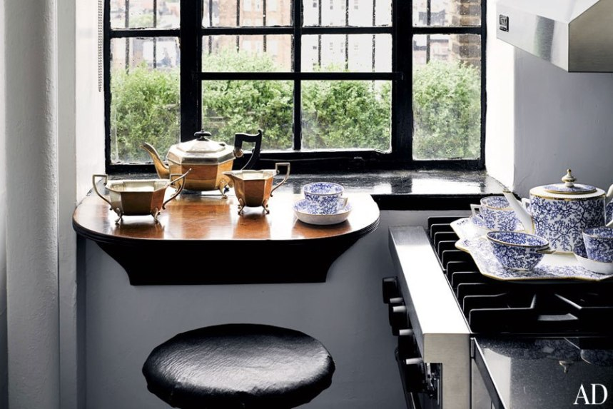 item4_rendition_slideshowWideHorizontal_thom-browne-06-kitchen