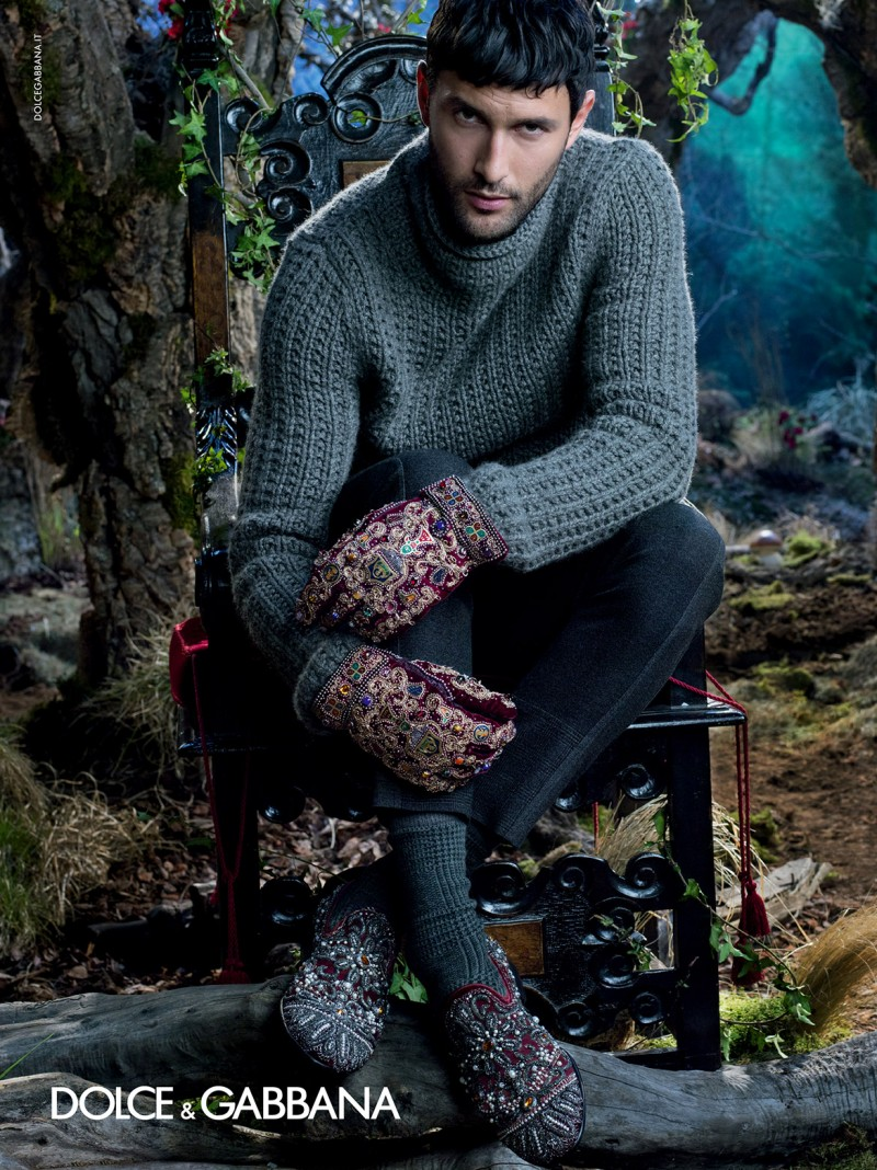 dolce-and-gabbana-winter-2015-men-advertising-campaign-071-800x1068