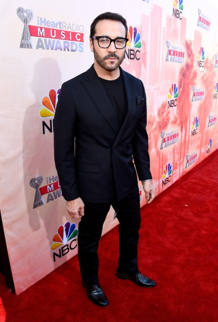 Jeremy-Piven-2015-iHeartRadio-Music-Awards
