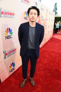 Steven-Yeun-2015-iHeartRadio-Music-Awards