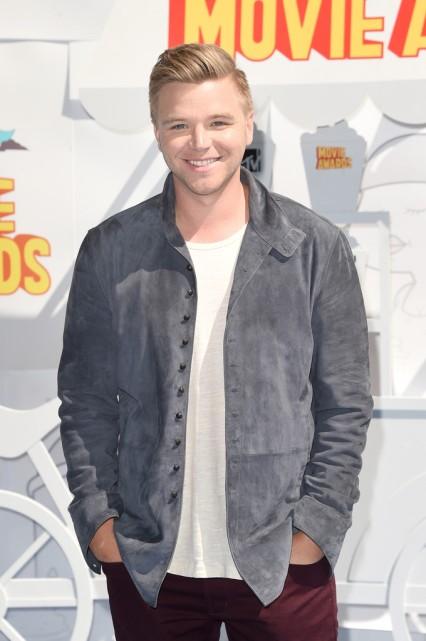 Brett-Davern-MTV-Movie-Awards-Mens-Style-2015-Picture
