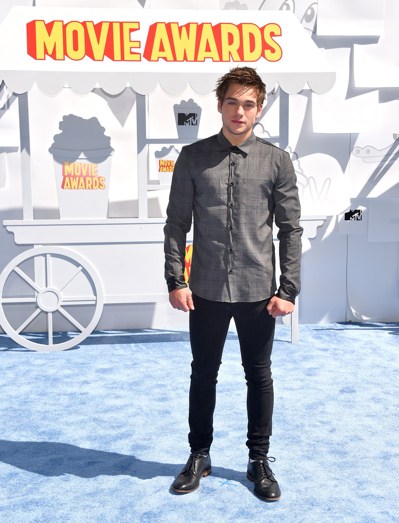 Dylan-Sprayberry-MTV-Movie-Awards-Mens-Style-2015-Picture