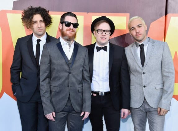 Fall-Out-Boy-MTV-Movie-Awards-Mens-Style-2015-Picture-800x588