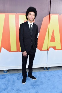 Justice-Smith-MTV-Movie-Awards-Mens-Style-2015-Picture