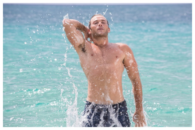 Scott-Eastwood-Shirtless-Davidoff-Cool-Water-Behind-the-Scenes-Pictures-2015-003