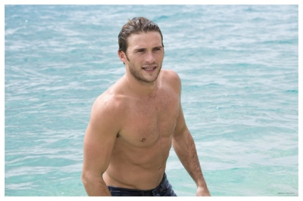 Scott-Eastwood-Shirtless-Davidoff-Cool-Water-Behind-the-Scenes-Pictures-2015-004