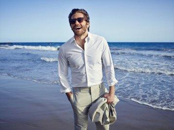 Jake-Gyllenhaal-California-Linen-Suit-43