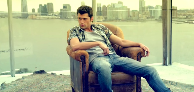 Sean-OPry-Colcci-Campaign-Behind-the-Scenes-Pictures-Spring-Summer-2016-002