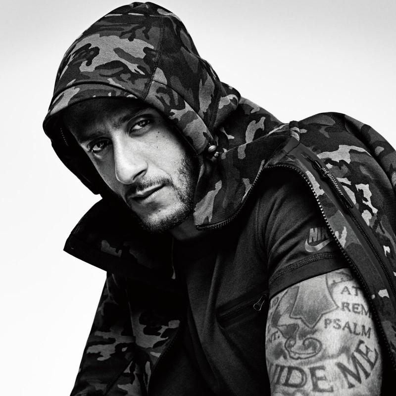 Colin-Kaepernick-Nike-Tech-Fleece-Collection-2015-800x800