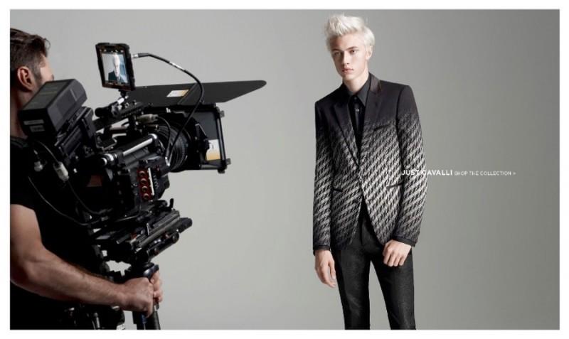 Lucky-Blue-Smith-Simons-Fall-2015-Fashion-Shoot-002-800x477