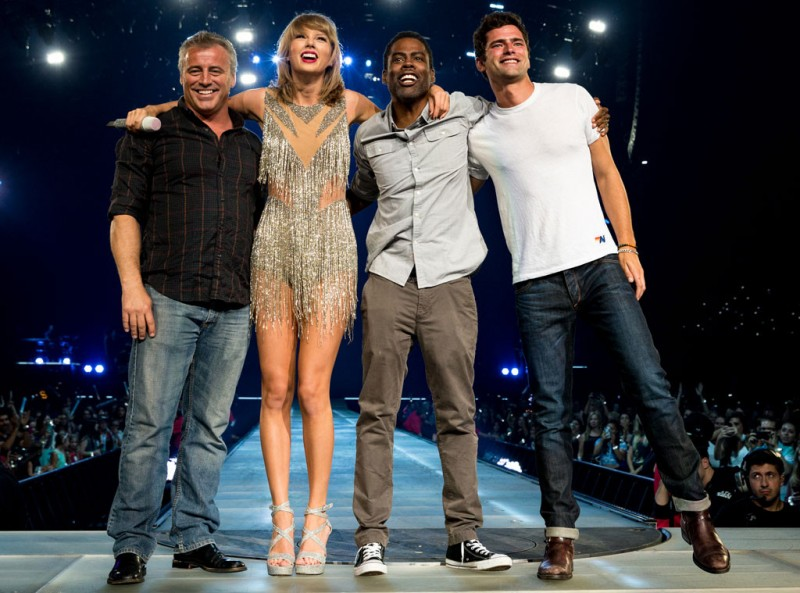 Matt-LeBlanc-Taylor-Swift-Chris-Rock-Sean-OPry-Concert-Picture-2015-800x593