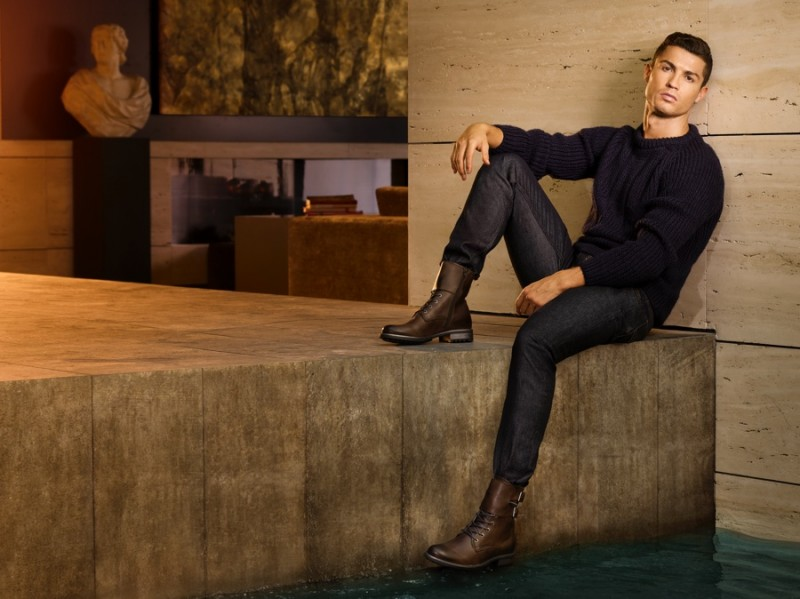 Cristiano-Ronaldo-CR7-2015-Campaign-Fall-Winter-001-800x599