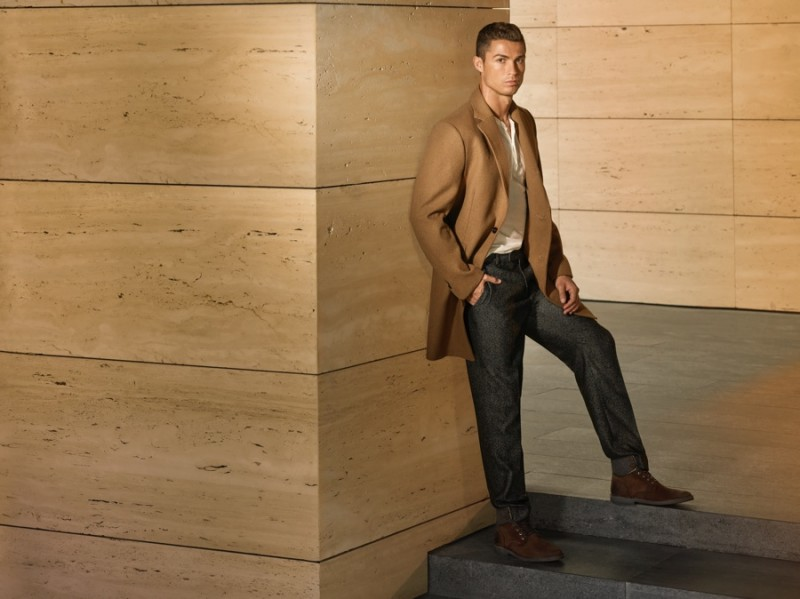 Cristiano-Ronaldo-CR7-2015-Campaign-Fall-Winter-002-800x599