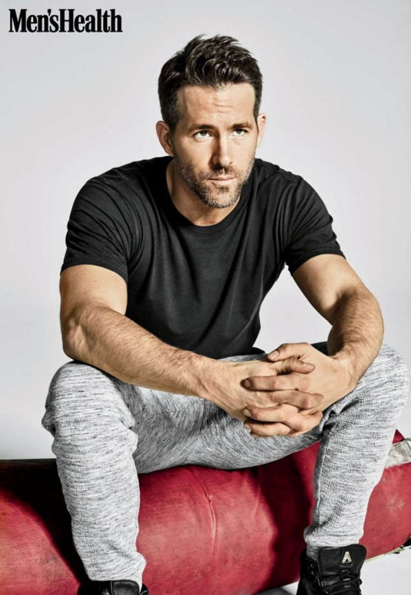 Ryan-Reynolds-Mens-Health-2016-Photo-Shoot-800x1156
